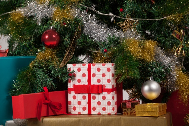 christmas-tree-with-gifts 1252-80
